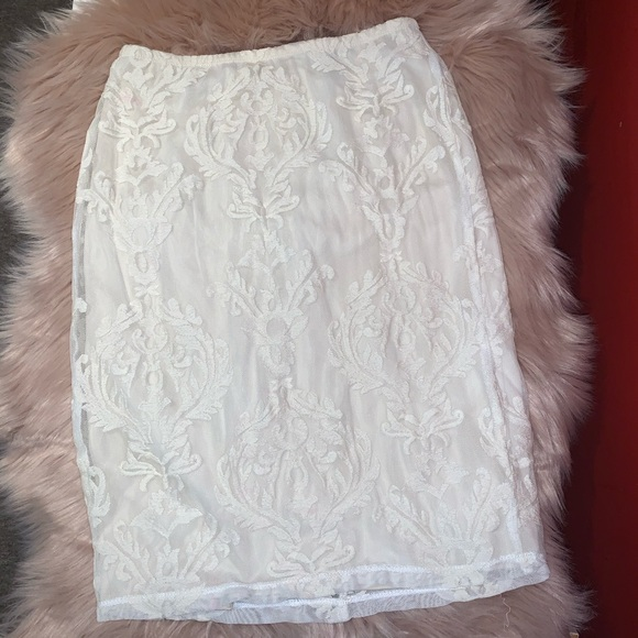 White Lace skirt in size medium